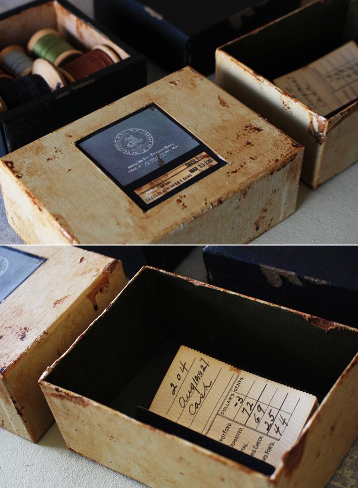 「空き箱」をアンティーク風リメイク_d0351435_09004859.jpg