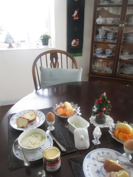 クリスマスグッズを片付けよう_a0279743_13350521.jpg