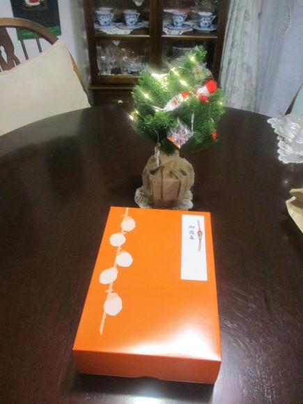 クリスマスグッズを片付けよう_a0279743_13353107.jpg