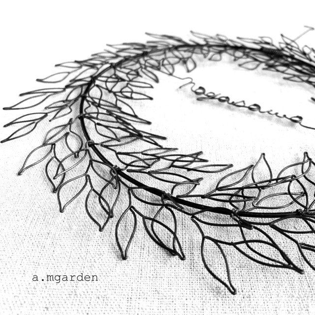 wire leaf wreathe表札。_b0125443_16314586.jpeg
