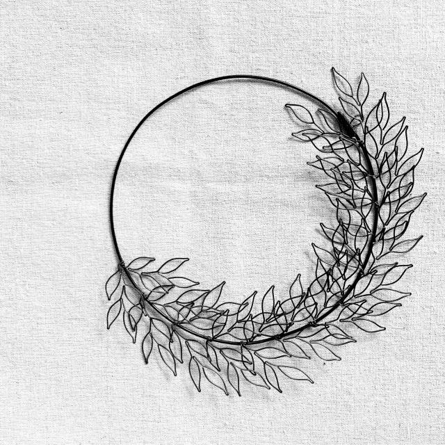 wire leaf wreathe表札。_b0125443_16325819.jpeg