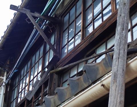 町角アート <昭和の残滓>_e0390949_17453639.jpg