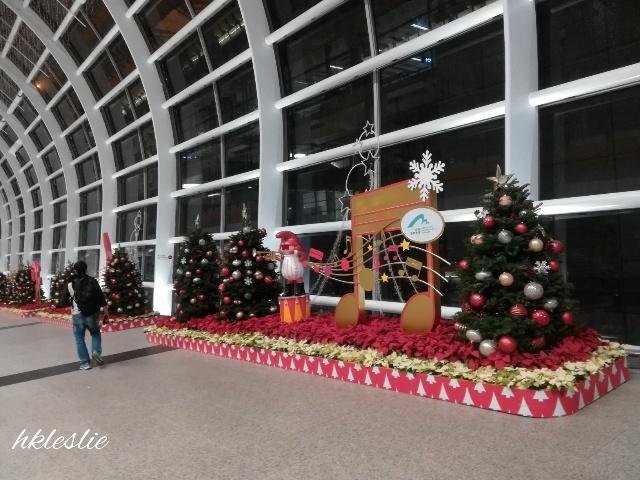 香港國際機場到着_b0248150_10563542.jpg
