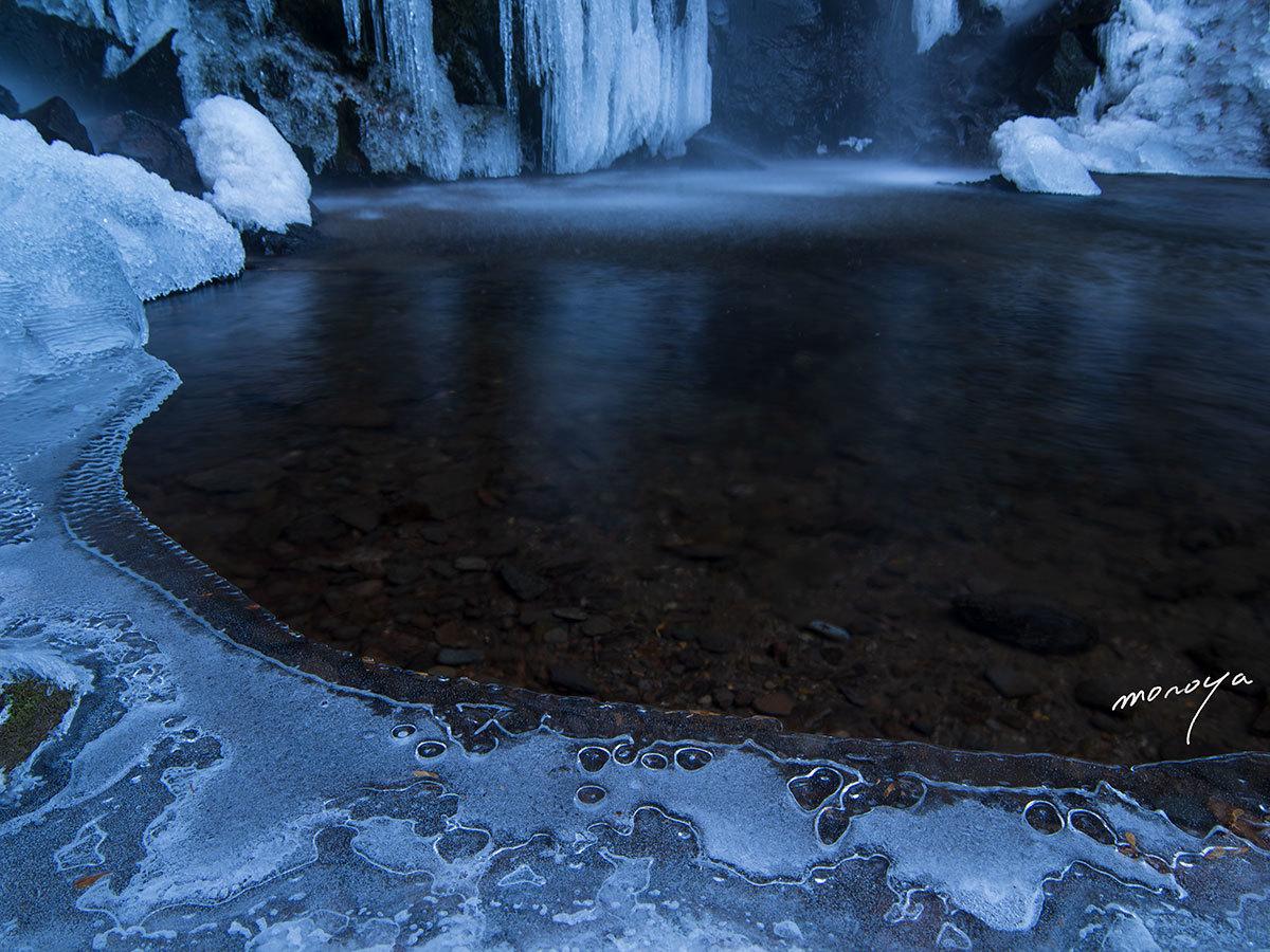 冬の滝壺_c0085877_09331635.jpg