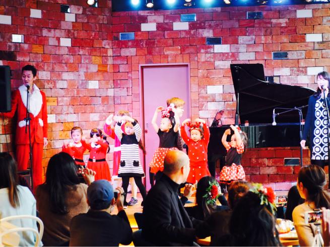 【イベント報告】ミュージカルとフラダンスで☆クリスマスライブin銀座☆みんな笑顔いっぱいでニタニタだった日(^^♪_e0397681_04443413.jpg