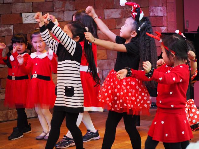 【イベント報告】ミュージカルとフラダンスで☆クリスマスライブin銀座☆みんな笑顔いっぱいでニタニタだった日(^^♪_e0397681_04443643.jpg