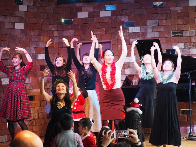 【イベント報告】ミュージカルとフラダンスで☆クリスマスライブin銀座☆みんな笑顔いっぱいでニタニタだった日(^^♪_e0397681_04443920.jpg