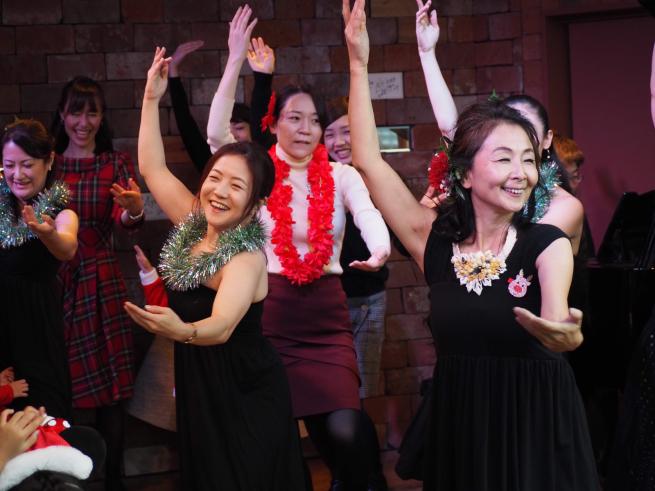 【イベント報告】ミュージカルとフラダンスで☆クリスマスライブin銀座☆みんな笑顔いっぱいでニタニタだった日(^^♪_e0397681_04482454.jpg
