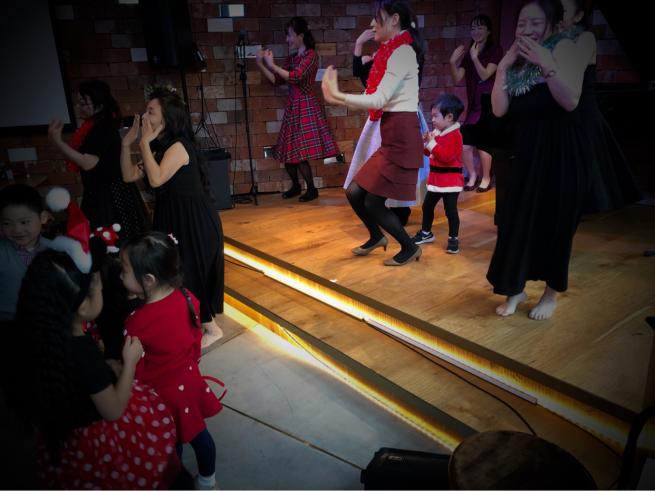 【イベント報告】ミュージカルとフラダンスで☆クリスマスライブin銀座☆みんな笑顔いっぱいでニタニタだった日(^^♪_e0397681_04484473.jpg