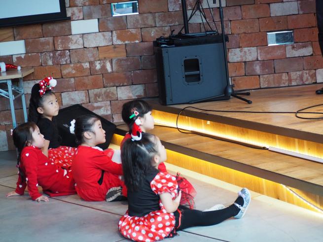 【イベント報告】ミュージカルとフラダンスで☆クリスマスライブin銀座☆みんな笑顔いっぱいでニタニタだった日(^^♪_e0397681_04514468.jpg