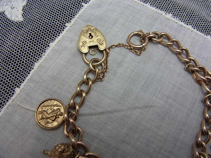 9c・ゴールド・チャーム・ブレスレット_d0127182_16310543.jpg