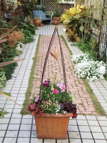◆やっと春の寄せ植え作りました!_e0154682_00353148.jpg