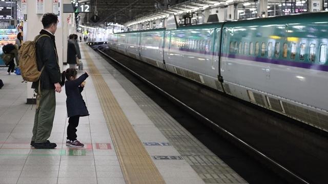 藤田八束の鉄道写真@今年最後の気仙沼出張、東北新幹線仙台駅の新幹線こまちとはやて、_d0181492_08341899.jpg
