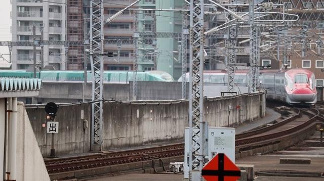 藤田八束の鉄道写真@今年最後の気仙沼出張、東北新幹線仙台駅の新幹線こまちとはやて、_d0181492_08351644.jpg