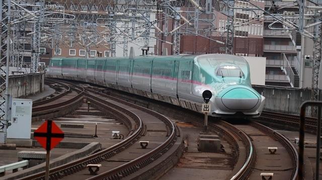 藤田八束の鉄道写真@今年最後の気仙沼出張、東北新幹線仙台駅の新幹線こまちとはやて、_d0181492_08354297.jpg