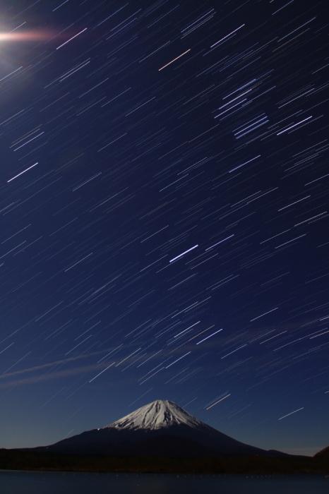 令和元年12月の富士 (19) 精進湖の夜空と富士_e0344396_15521817.jpg