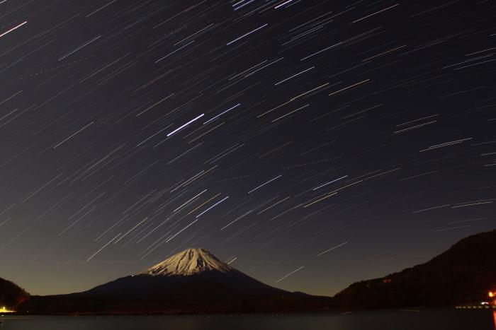 令和元年12月の富士 (19) 精進湖の夜空と富士_e0344396_15522650.jpg
