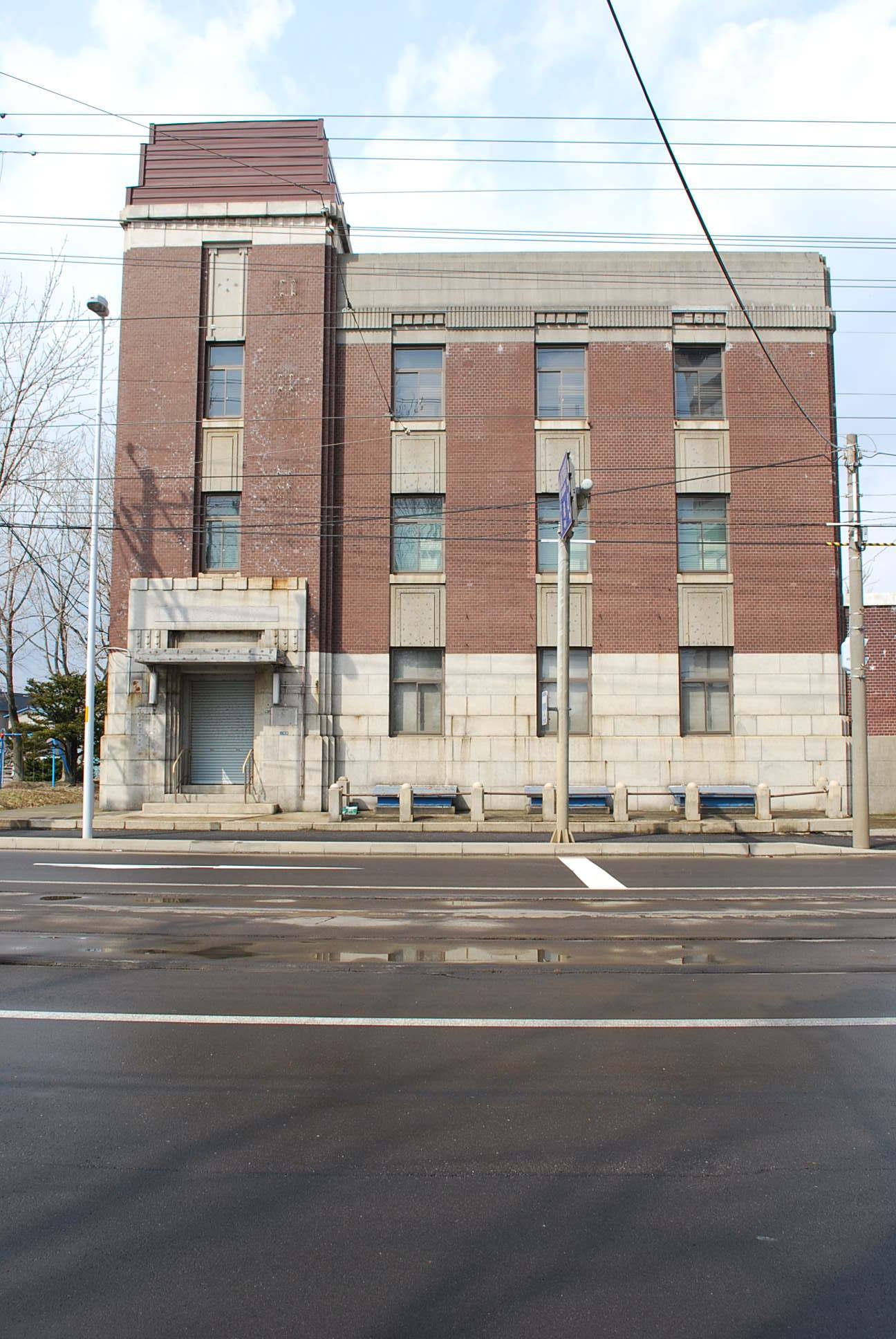 函館市豊川町の旧十二銀行函館支店(函館の建築再見)_f0142606_09102870.jpg