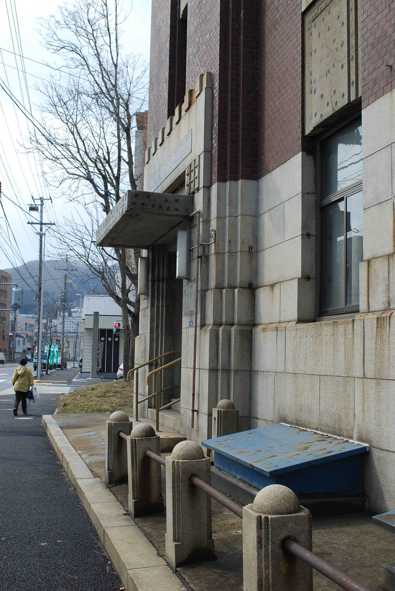 函館市豊川町の旧十二銀行函館支店(函館の建築再見)_f0142606_09120060.jpg