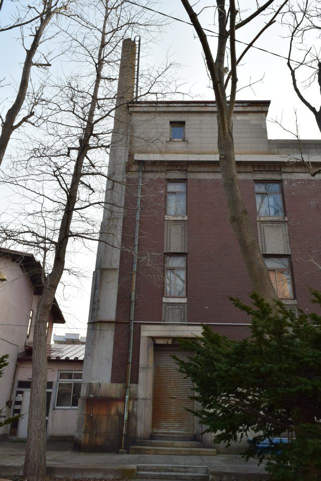 函館市豊川町の旧十二銀行函館支店(函館の建築再見)_f0142606_10233493.jpg