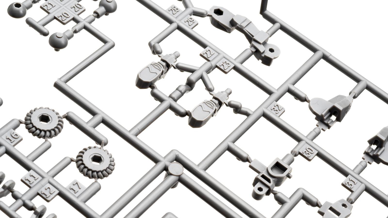 突如バラ撒かれた「リアルロボット」の素体をキミはもう組んだか。_b0029315_18115939.jpg