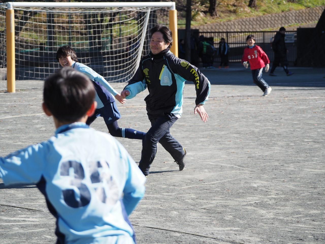 5年生 親子サッカー_a0109316_17080075.jpg