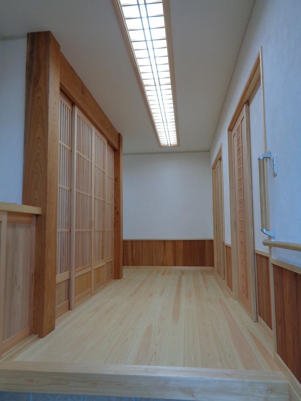 ケヤキの大黒柱の家(完成+年末年始のご案内)_c0220930_12590226.jpg