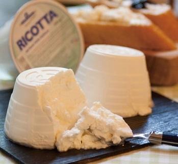 日本で買えるmade in Italyのリコッタチーズって・・・_b0305039_21035187.jpg