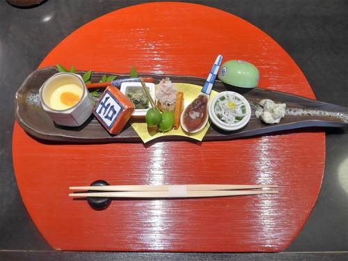 メシクエが選ぶベストレストラン『メシュラン2019』_f0232060_1135833.jpg