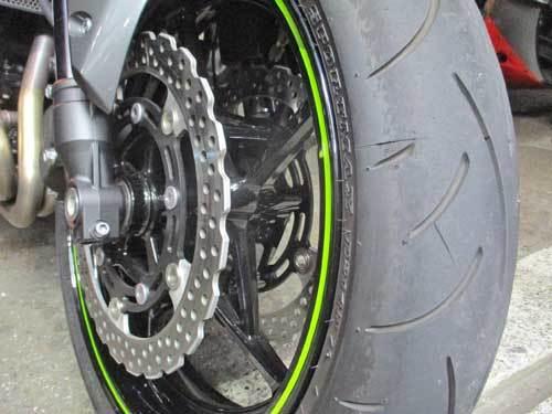 M本サン号 Z900のタイヤ交換・・・(^^♪_c0086965_14300197.jpg