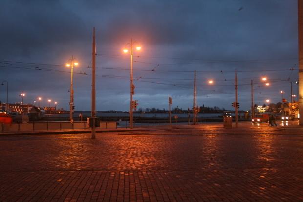 夜明けは遅い_d0193569_14104523.jpg