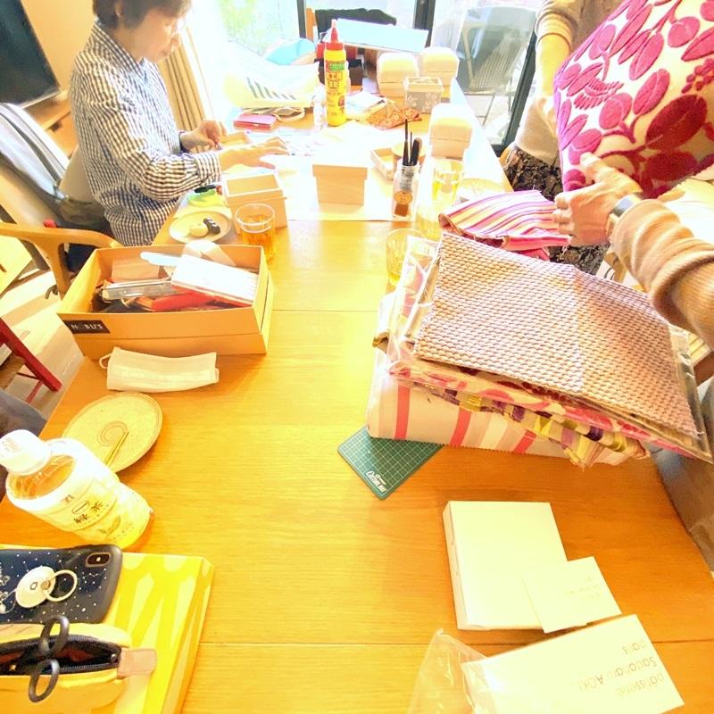 薔薇の絵のクリスマスカード☆カルトナージュ同好会とレッスン_b0165872_21345319.jpeg