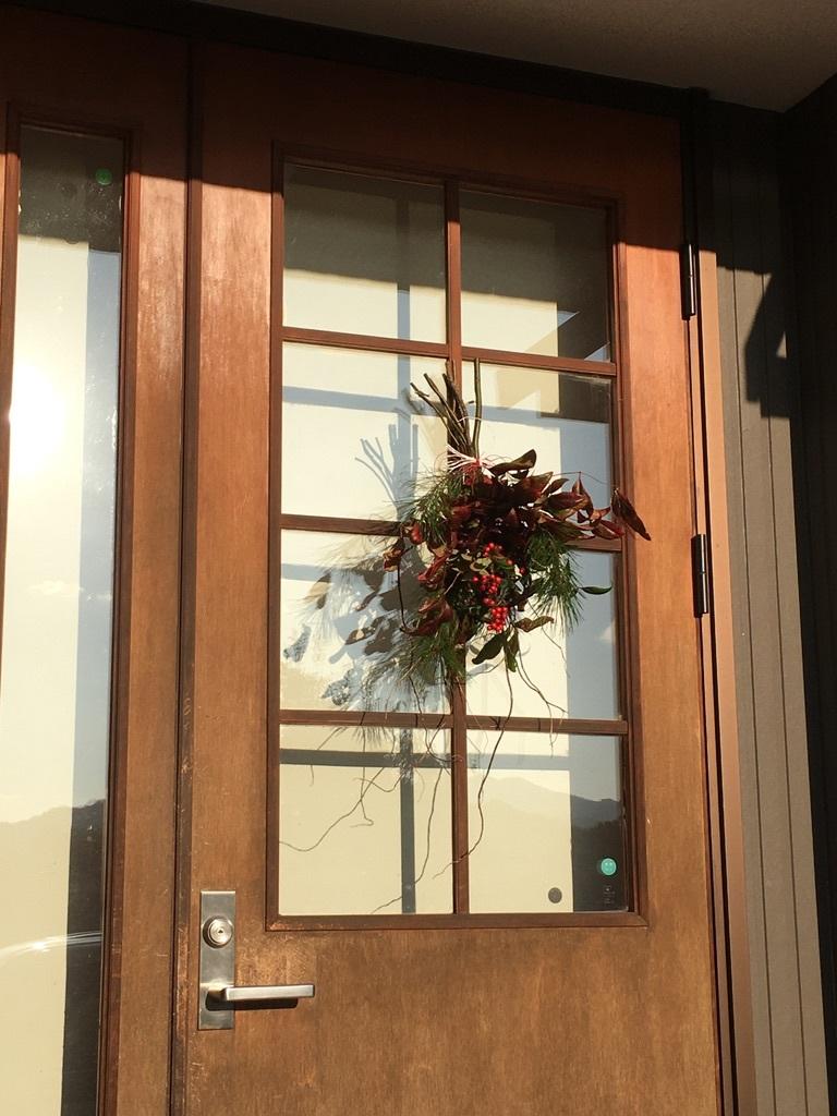 今年のお正月用ドア飾り_c0334574_19391795.jpeg