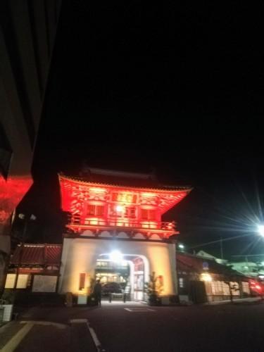 神社で薪割り_d0195183_00503285.jpg