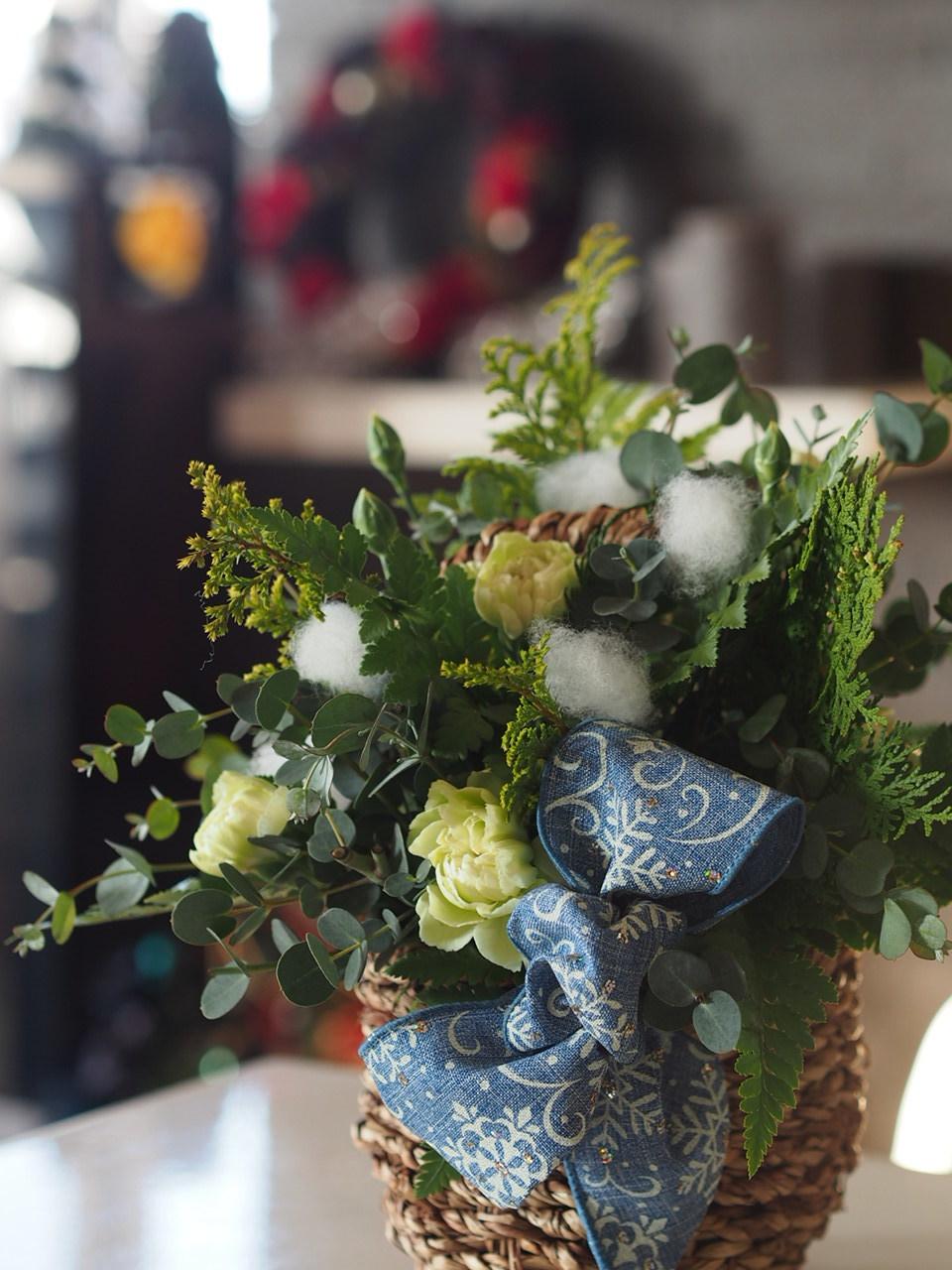 クリスマスツリーアレンジメント@ケアハウスさま_d0144095_20120968.jpg