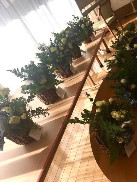 クリスマスツリーアレンジメント@ケアハウスさま_d0144095_20121772.jpg
