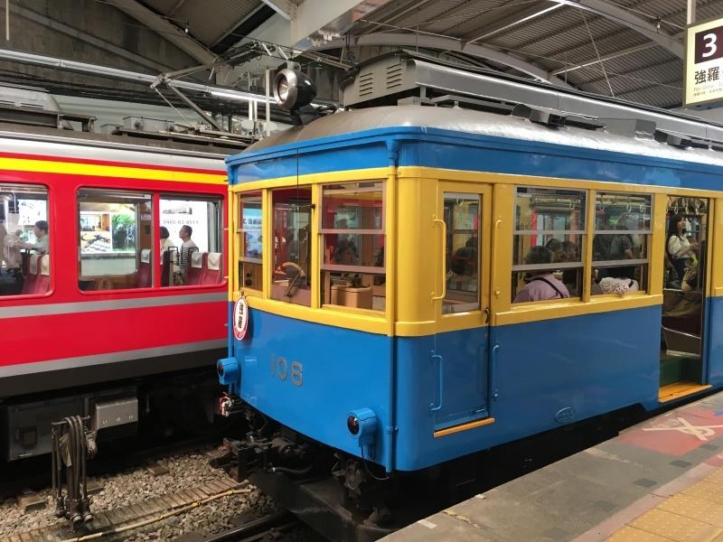 9月に出会った青い箱根登山鉄道。_d0367998_20514242.jpeg