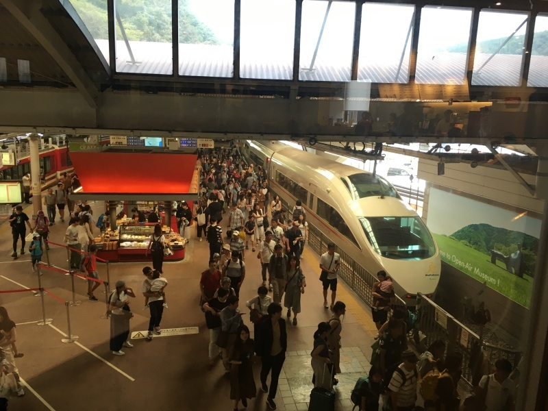 9月に出会った青い箱根登山鉄道。_d0367998_20543072.jpeg
