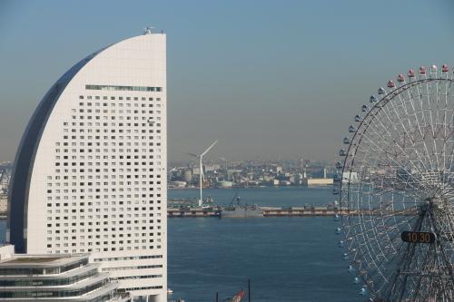 横浜みなとみらい21の日の出_c0075701_11080931.jpg