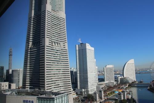 ニューオータニイン横浜プレミアム1809号室から日の出を拝む・2:Canon EOS 70D_c0075701_11083572.jpg