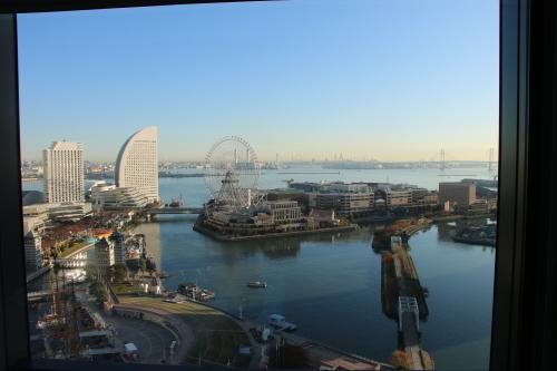 ニューオータニイン横浜プレミアム1809号室から日の出を拝む・2:Canon EOS 70D_c0075701_11101130.jpg