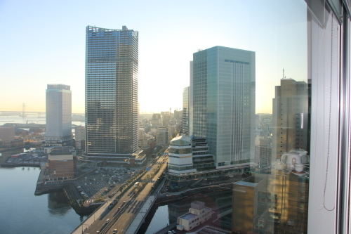 ニューオータニイン横浜プレミアム1809号室から日の出を拝む・2:Canon EOS 70D_c0075701_11102215.jpg