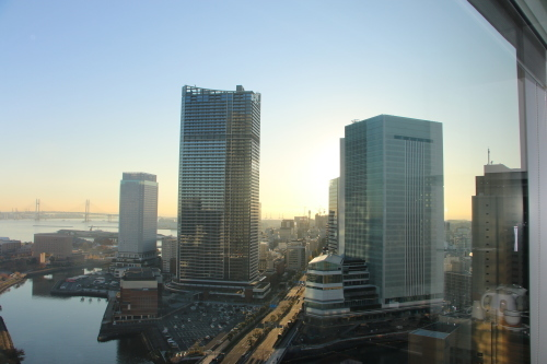 ニューオータニイン横浜プレミアム1809号室から日の出を拝む・2:Canon EOS 70D_c0075701_11104257.jpg