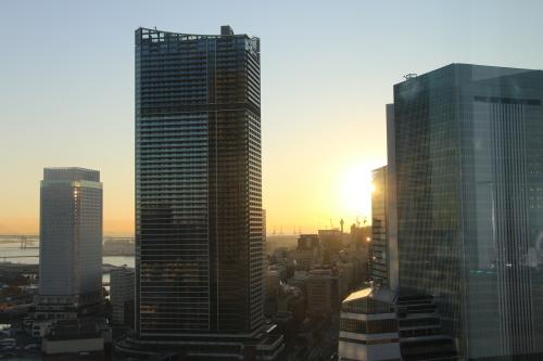 ニューオータニイン横浜プレミアム1809号室から日の出を拝む・2:Canon EOS 70D_c0075701_11110537.jpg