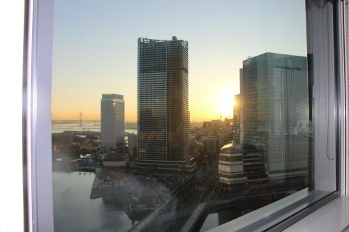ニューオータニイン横浜プレミアム1809号室から日の出を拝む・2:Canon EOS 70D_c0075701_11111458.jpg