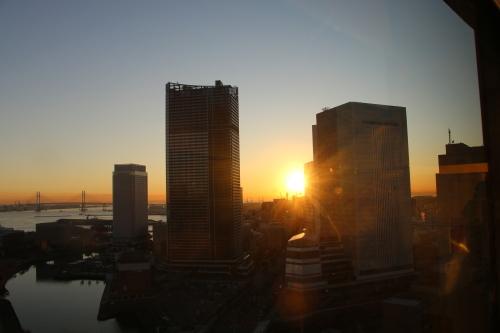 横浜みなとみらい21の日の出_c0075701_11122663.jpg