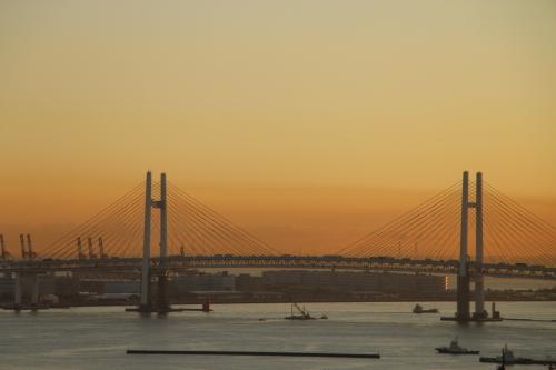 ニューオータニイン横浜プレミアム1809号室から日の出を拝む・2:Canon EOS 70D_c0075701_11123222.jpg