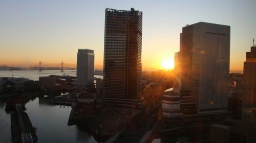 ニューオータニイン横浜プレミアム1809号室から日の出を拝む・2:Canon EOS 70D_c0075701_11130354.jpg