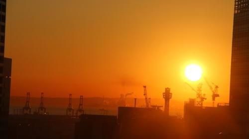 ニューオータニイン横浜プレミアム1809号室から日の出を拝む・2:Canon EOS 70D_c0075701_11131127.jpg