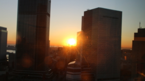 ニューオータニイン横浜プレミアム1809号室から日の出を拝む・2:Canon EOS 70D_c0075701_11135291.jpg